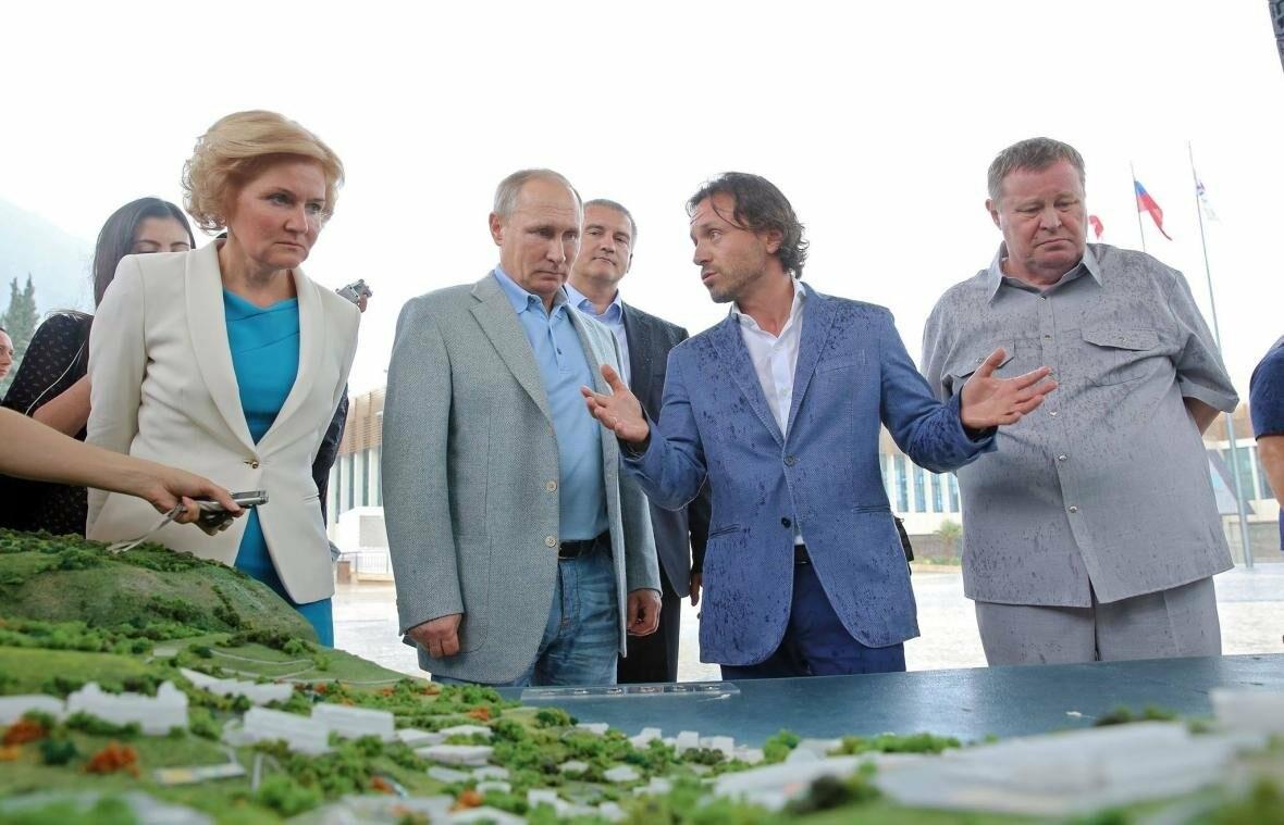 Фото: Владимир Путин прибыл в «Артек»  (Обновлено), фото-1