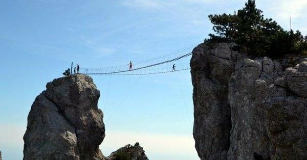 Под Ялтой через 4 дня после открытия закрылся самый длинный подвесной мост в Крыму, фото-8
