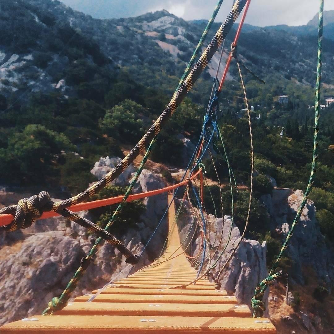 Под Ялтой через 4 дня после открытия закрылся самый длинный подвесной мост в Крыму, фото-13
