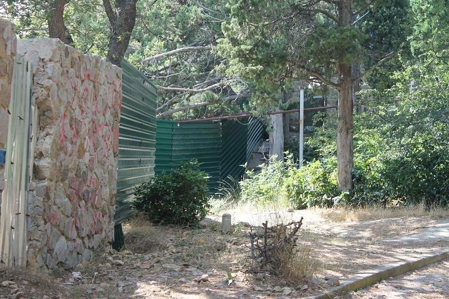 Фотофакт: На Солнечной тропе вырос очередной забор, фото-1