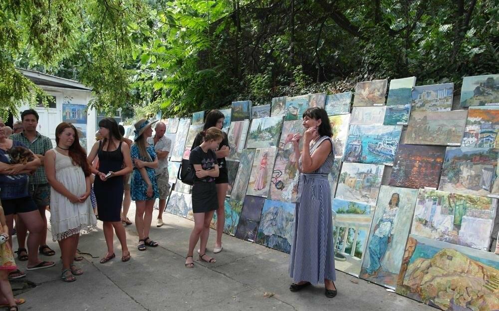 В Алупке провели ежегодную выставку под открытым небом, фото-5