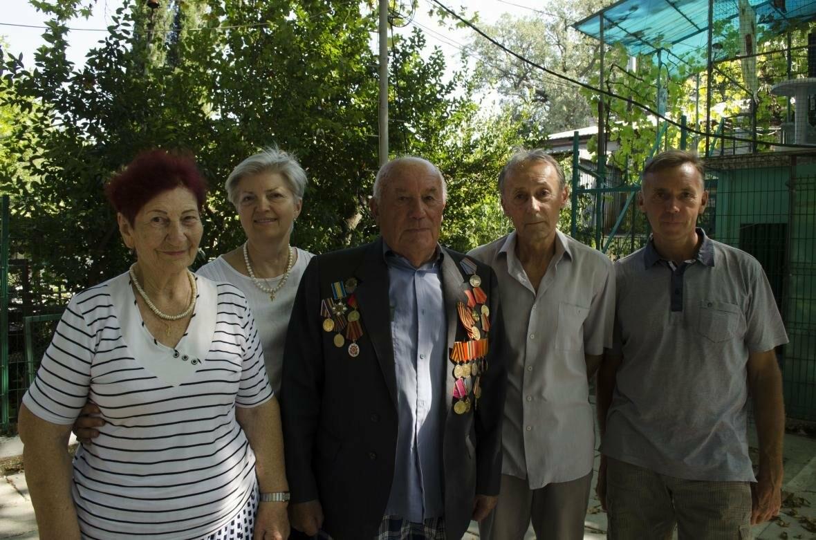 Ялтинцев  поздравили с 90-летним юбилеем, фото-1