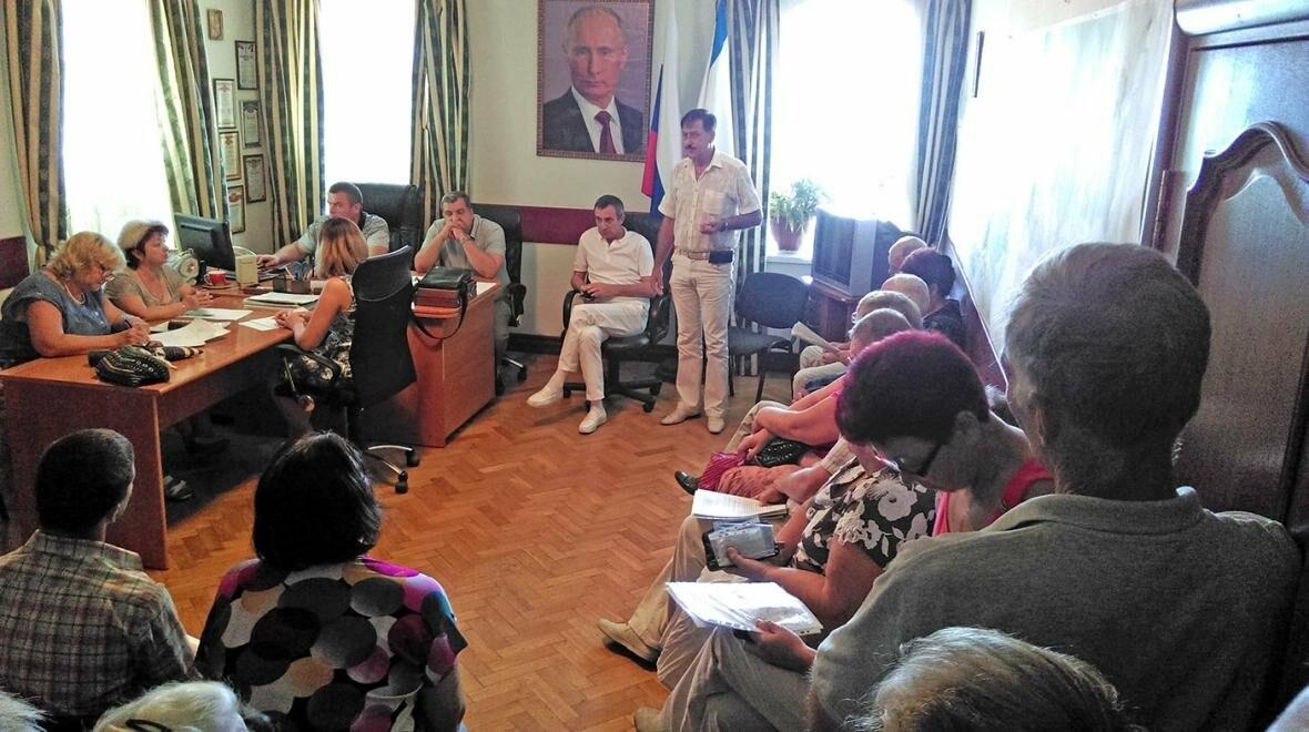 В Алупке прошел прием граждан замглавы администрации Ялты Владимиром Блажновым, фото-1