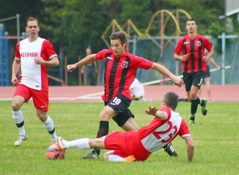 За выход в Премьер-лигу КФС поборются две ялтинские команды, фото-1
