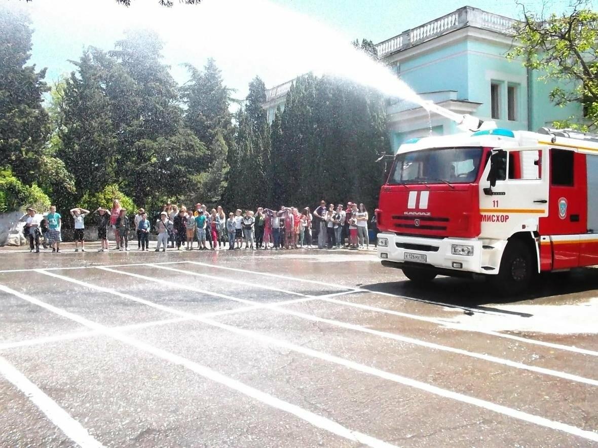В Ялте все лето обучали детей и взрослых правилам пожарной безопасности , фото-1