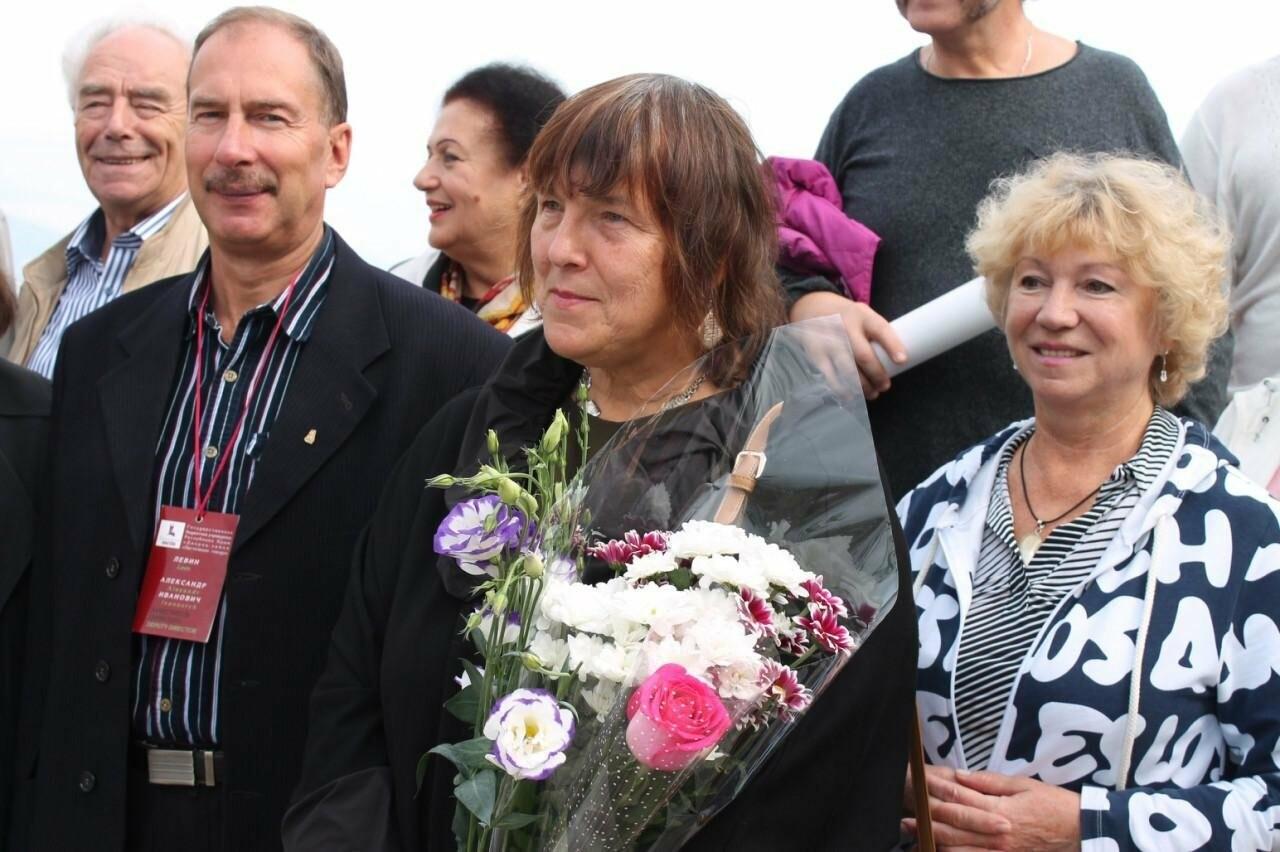 В замке «Ласточкино гнездо» открылась  персональная выставка  Элеоноры Щегловой, фото-4