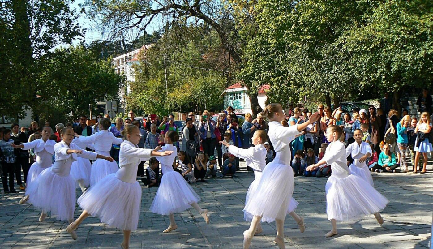 В Алупке танцевали под «Ритмы осени», фото-4