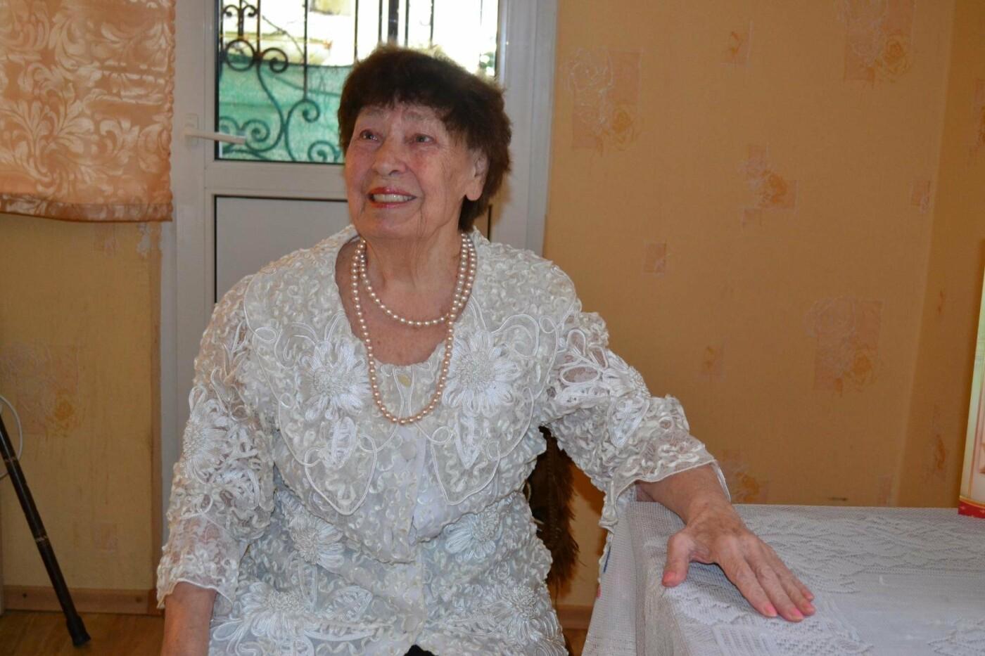 Жительницу Алупки Раису Савчук поздравили с 80-летним юбилеем, фото-1