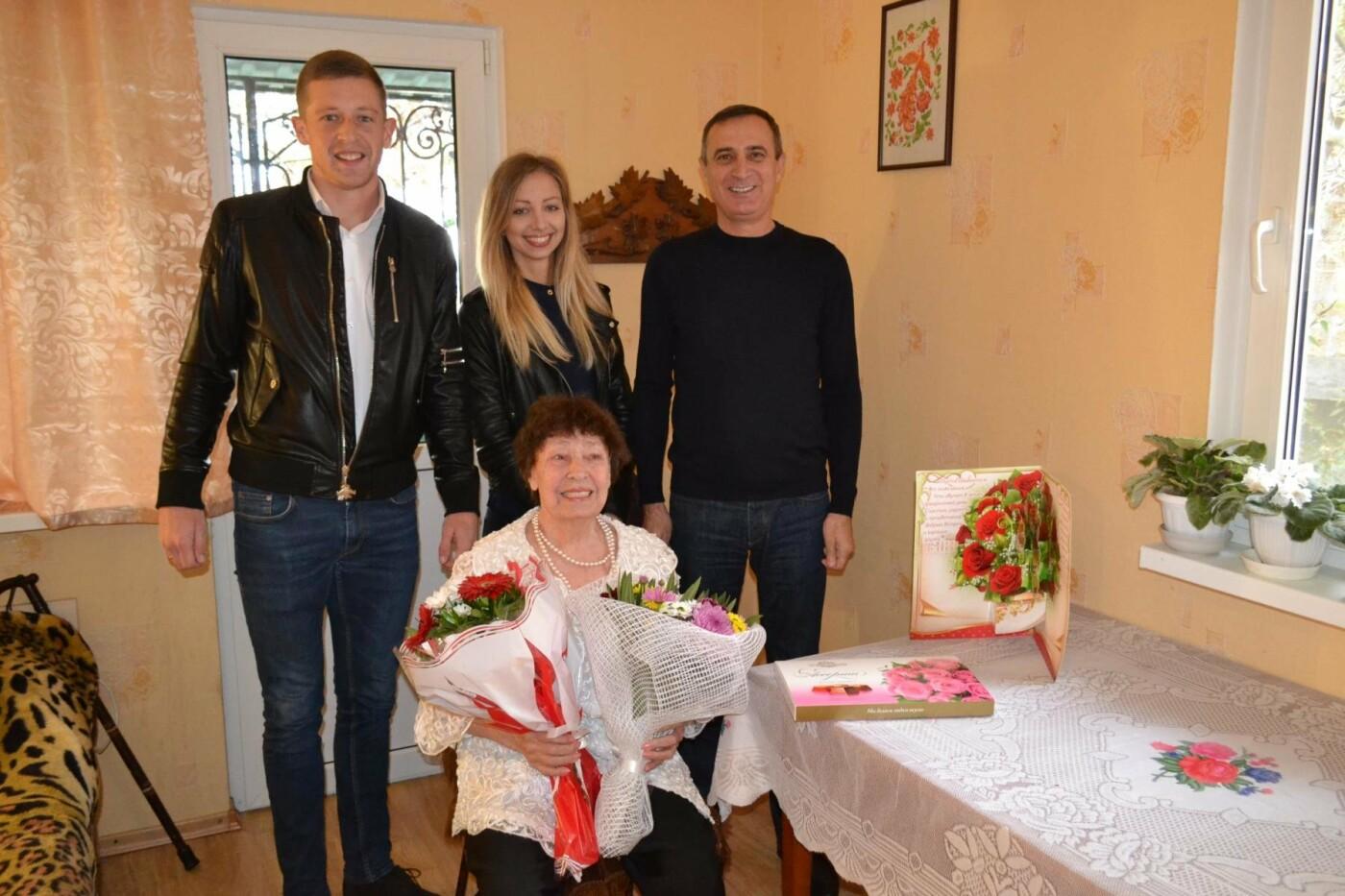 Жительницу Алупки Раису Савчук поздравили с 80-летним юбилеем, фото-2