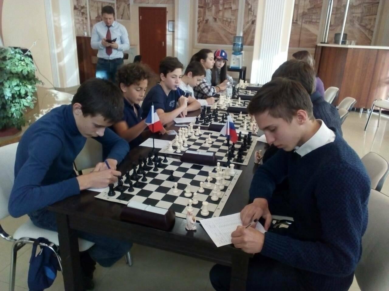 Юные ялтинские шахматисты одержали победу над молодежной командой Франции, фото-1
