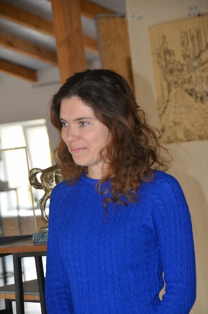 Любава Тарадай представила 77 работ из батика  в художественной галерее Никитского сада , фото-2