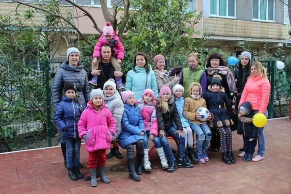 В Ялте открылась новая детская площадка, фото-3