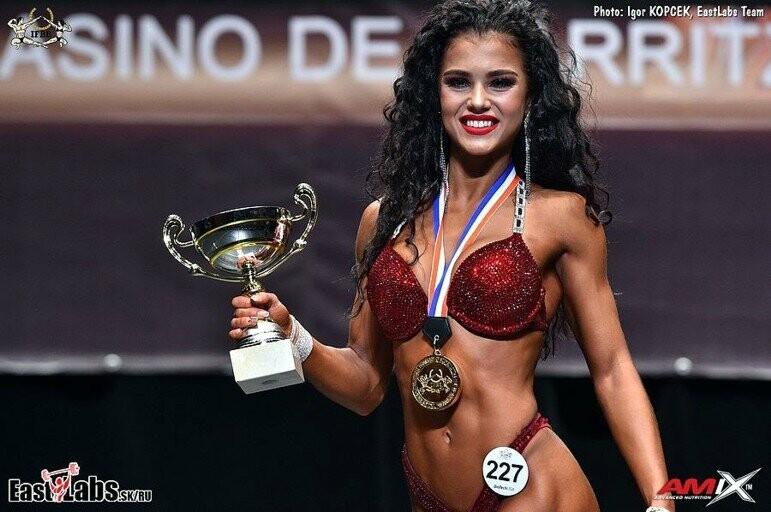 Ялтинка Мария Бархударова стала чемпионкой мира в номинации «фитнес-бикини», фото-1