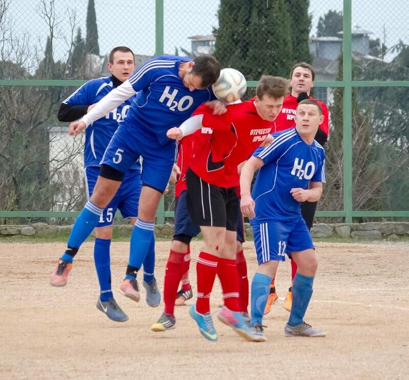 Алупка поднимается на пятое место в Чемпионате Ялты по футболу, фото-4