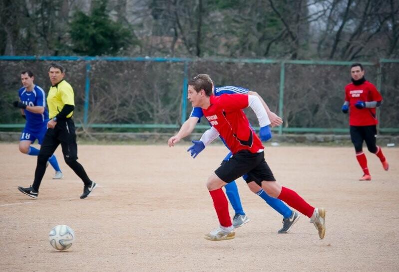 Алупка поднимается на пятое место в Чемпионате Ялты по футболу, фото-2
