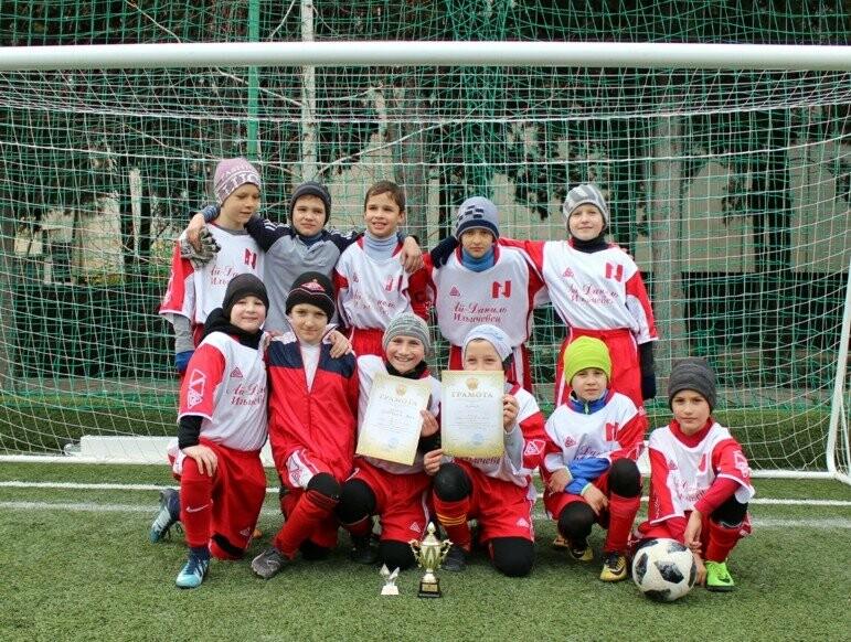 Юные ялтинские футболисты успели поиграть по всему Крыму, фото-4