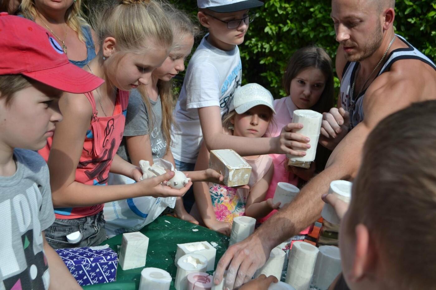 В Алупке провели день защиты детей на арт-площадке Воронцовского парка, фото-1