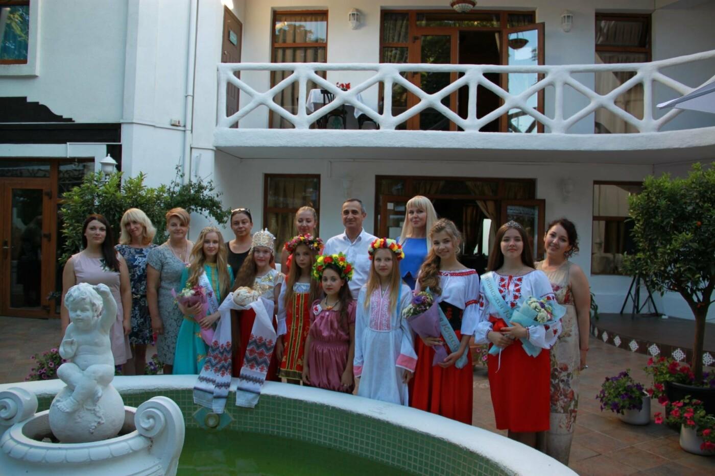 В Алупке на День России провели  финал конкурса «Алупкинская краса», фото-6