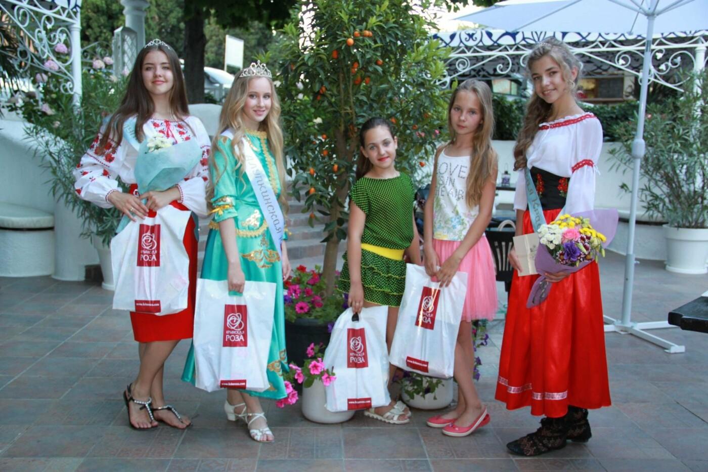 В Алупке на День России провели  финал конкурса «Алупкинская краса», фото-1