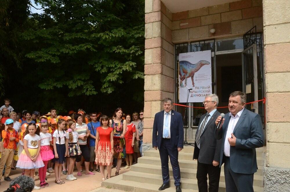 В Научном музее Никитского сада «поселился» первый крымский динозавр – самый поздний динозавр в России, фото-3