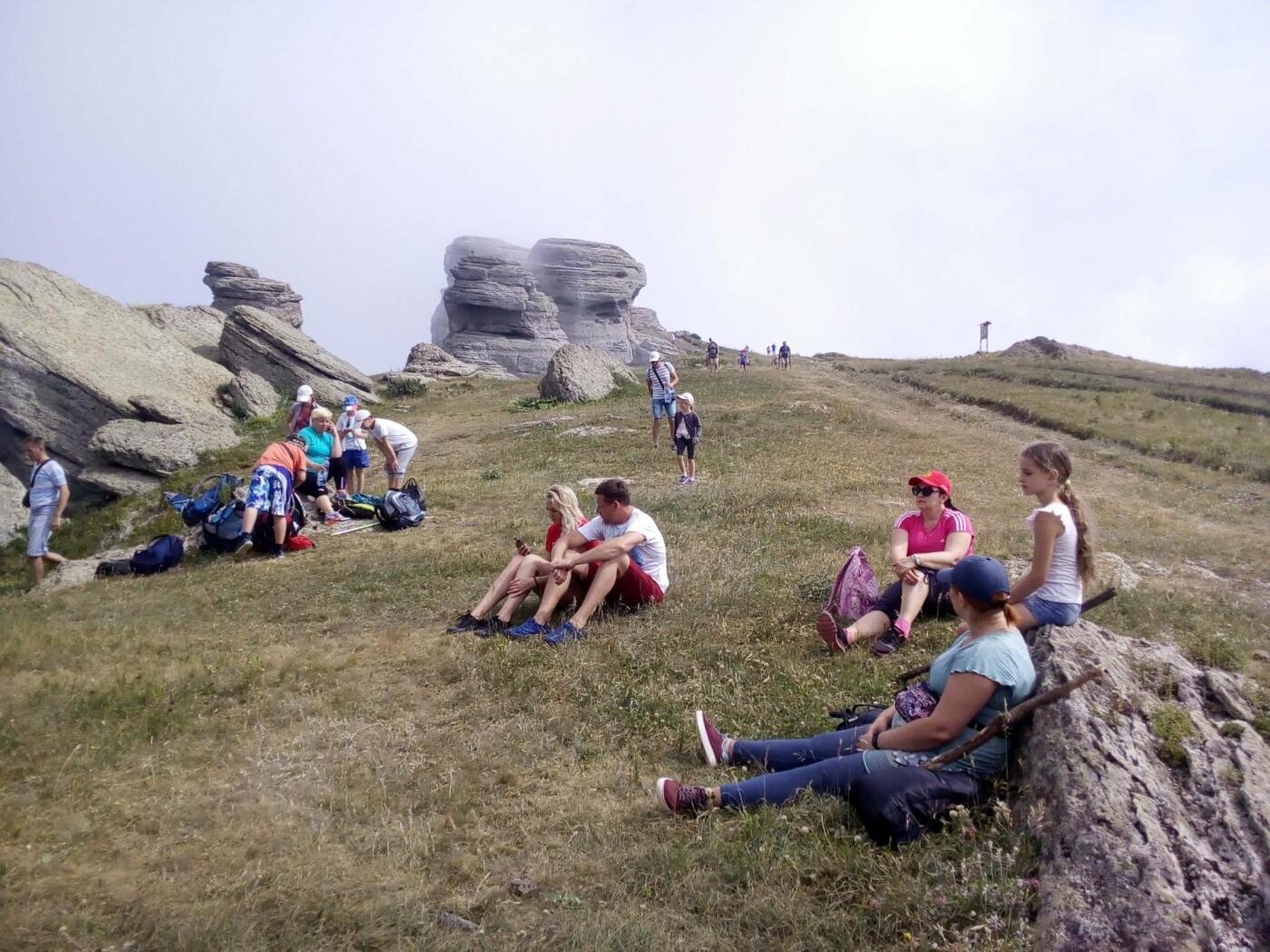 Казаки из Ялты поднялись на вершину Южной Демерджи, фото-1