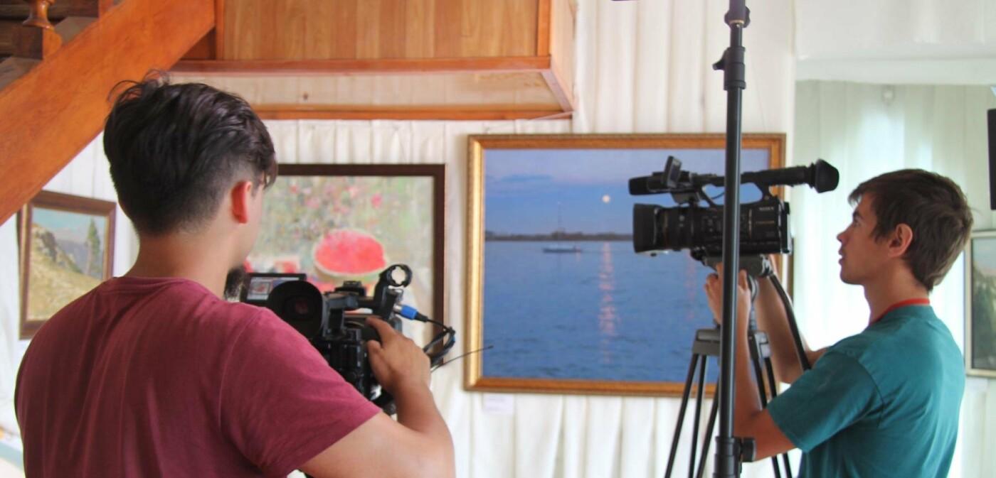 В замке «Ласточкино гнездо» открылась выставка «Россия. Крым. Величие родного края», фото-1