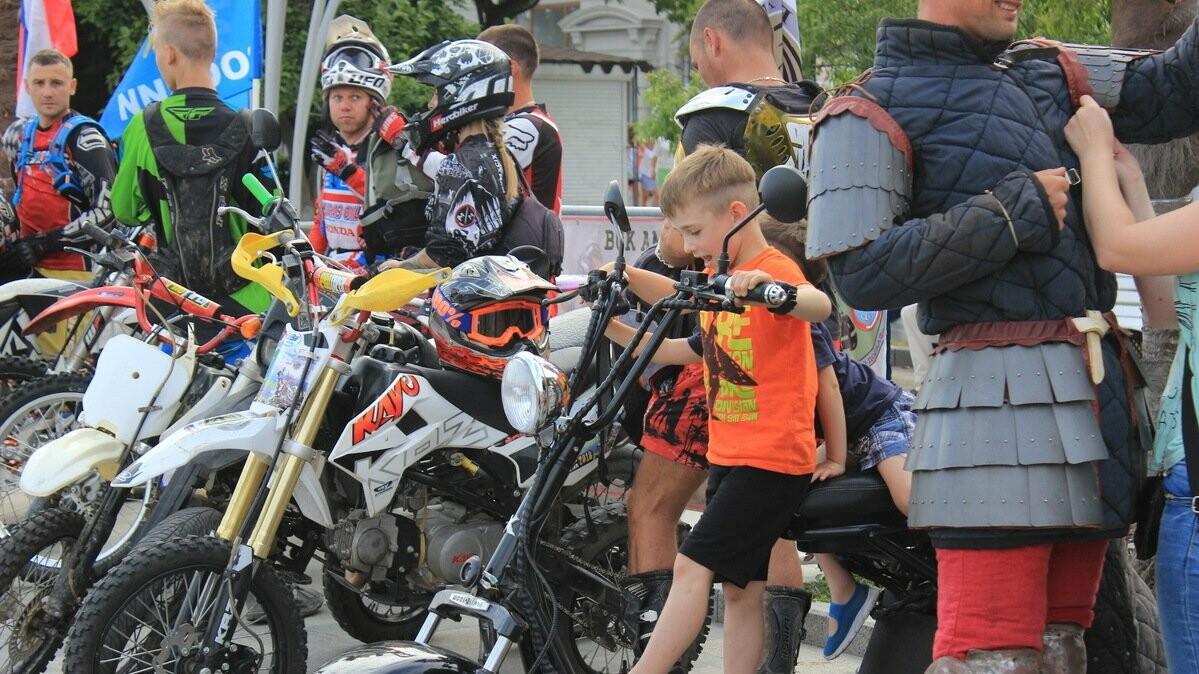 В Ялте в преддверии Дня молодёжи провели ряд праздничных мероприятий, фото-3