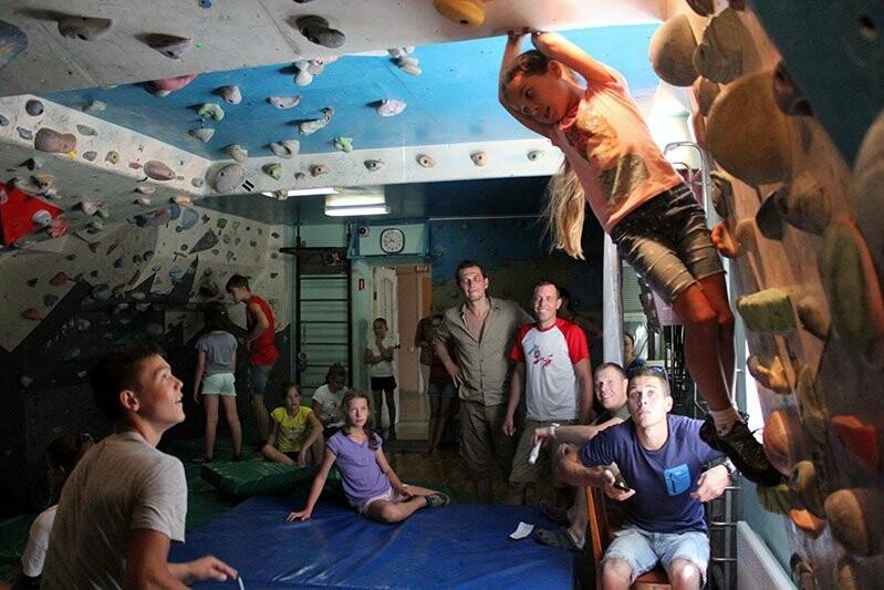 В Ялте в честь Олимпийского дня России провели скалолазный турнир, фото-2