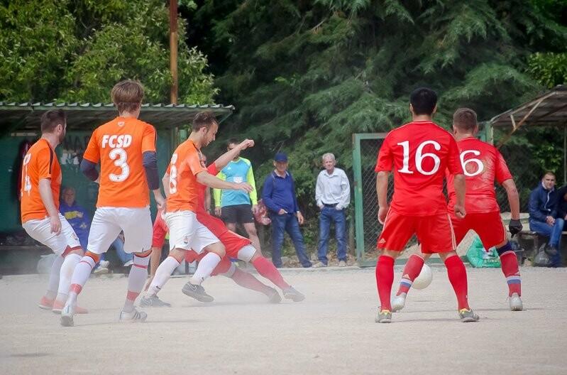 Определены все участники четвертьфиналов Кубка Ялты по футболу, фото-2