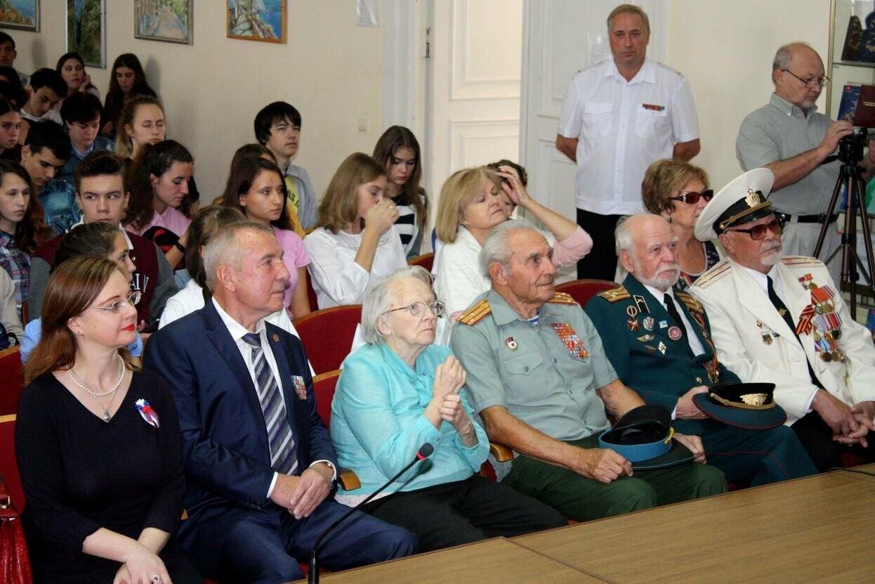 В день празднования государственной символики Крыма, в ялтинской академии прошла встреча с ветеранами, фото-2