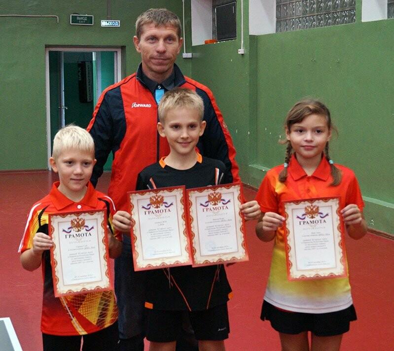 Ялтинские команды выиграли первые туры в Детской лиге Крыма по настольному теннису, фото-2