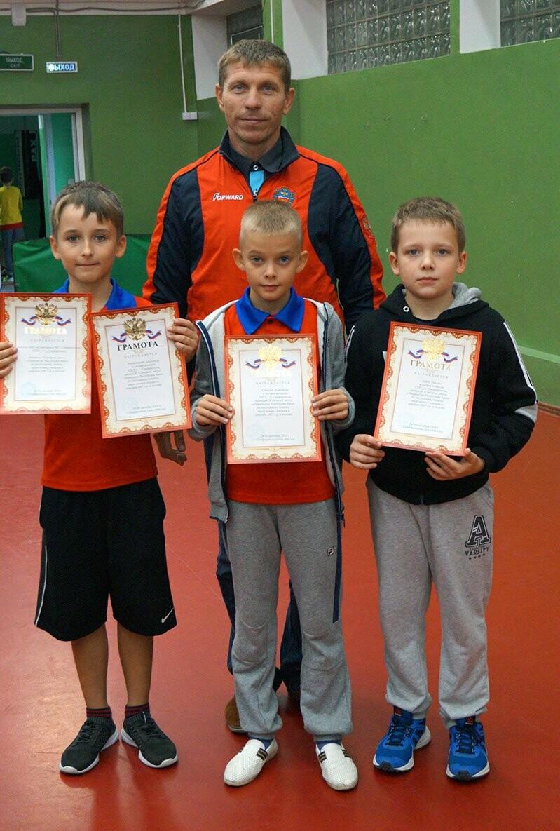 Ялтинские команды выиграли первые туры в Детской лиге Крыма по настольному теннису, фото-7
