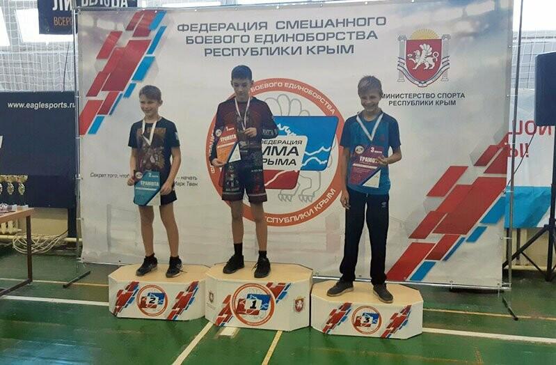 Ялтинцы успешно выступили на двух бойцовских турнирах, фото-3