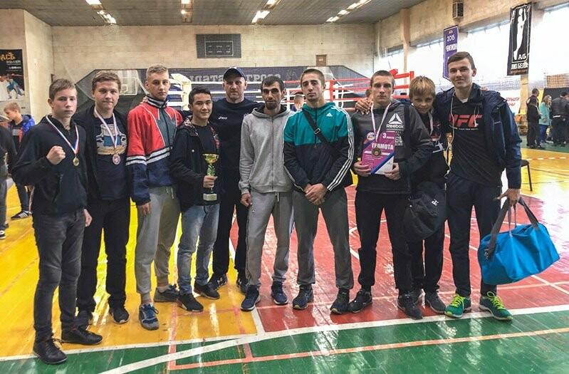 Ялтинцы успешно выступили на двух бойцовских турнирах, фото-6
