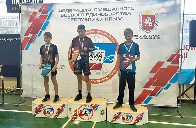 Ялтинцы успешно выступили на двух бойцовских турнирах, фото-7