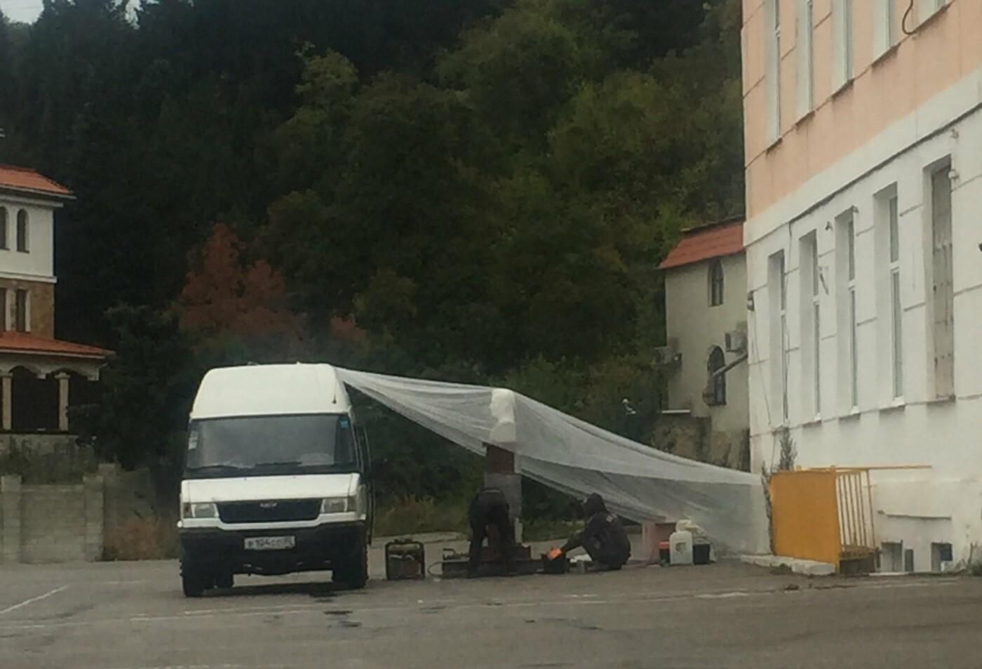 Сегодня Алупка и весь Крым вспоминает летчика-аса Амет-Хана Султана, фото-1