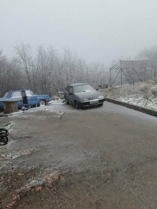 ВИДЕО: на плато Ай-Петри выпал первый снег, фото-1