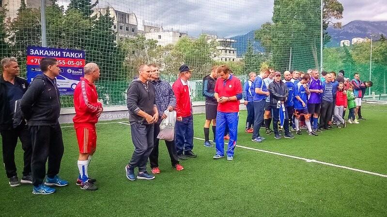 Севастопольские ветераны выиграли в Ялте мини-футбольный Кубок «Волны», фото-6