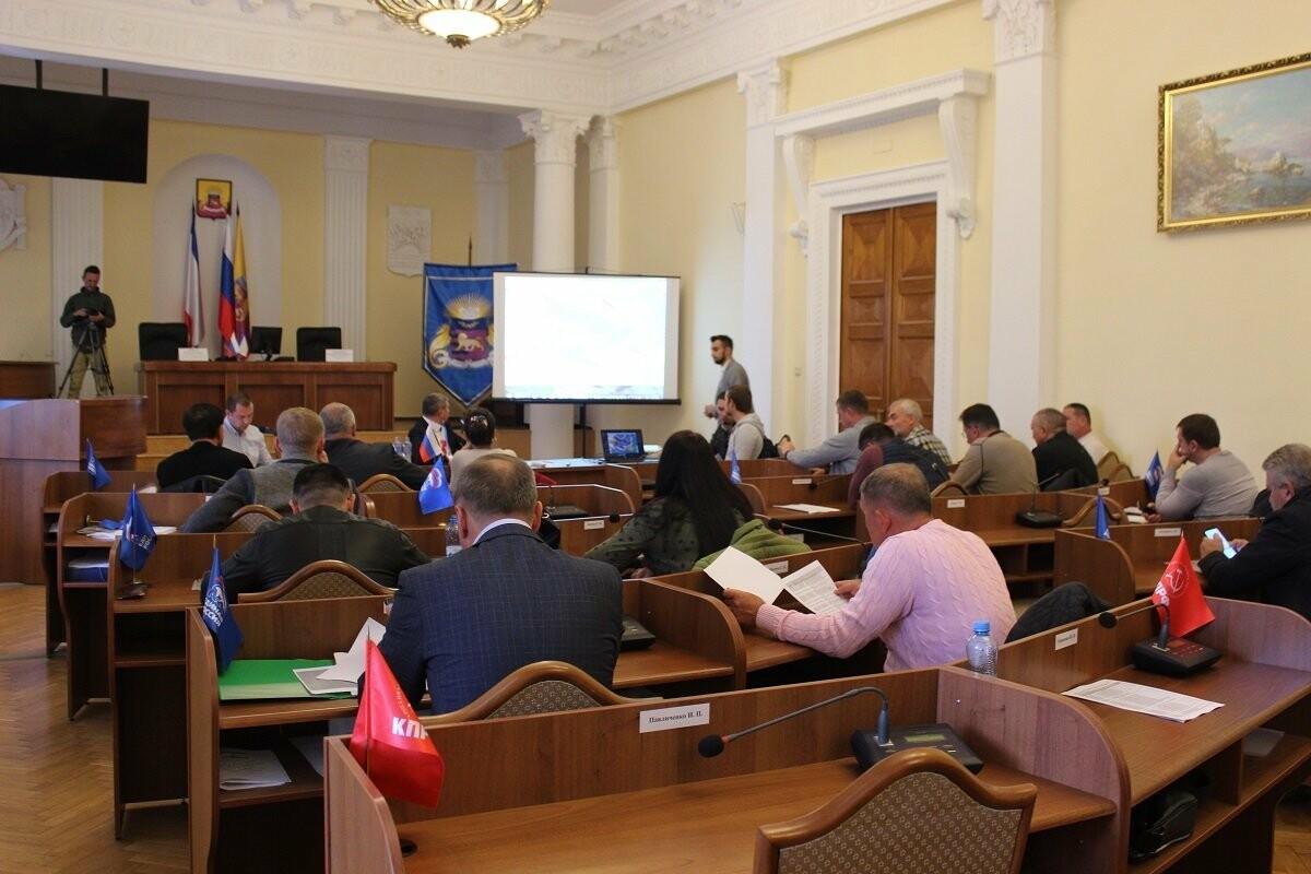 Депутаты Ялты рассмотрели обращения граждан по генплану города, фото-1