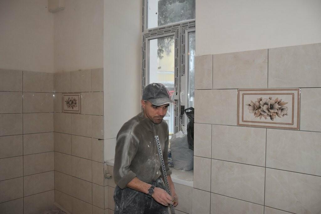 Власти Ялты проинспектировали ремонт в школах № 4 и № 12 , фото-1