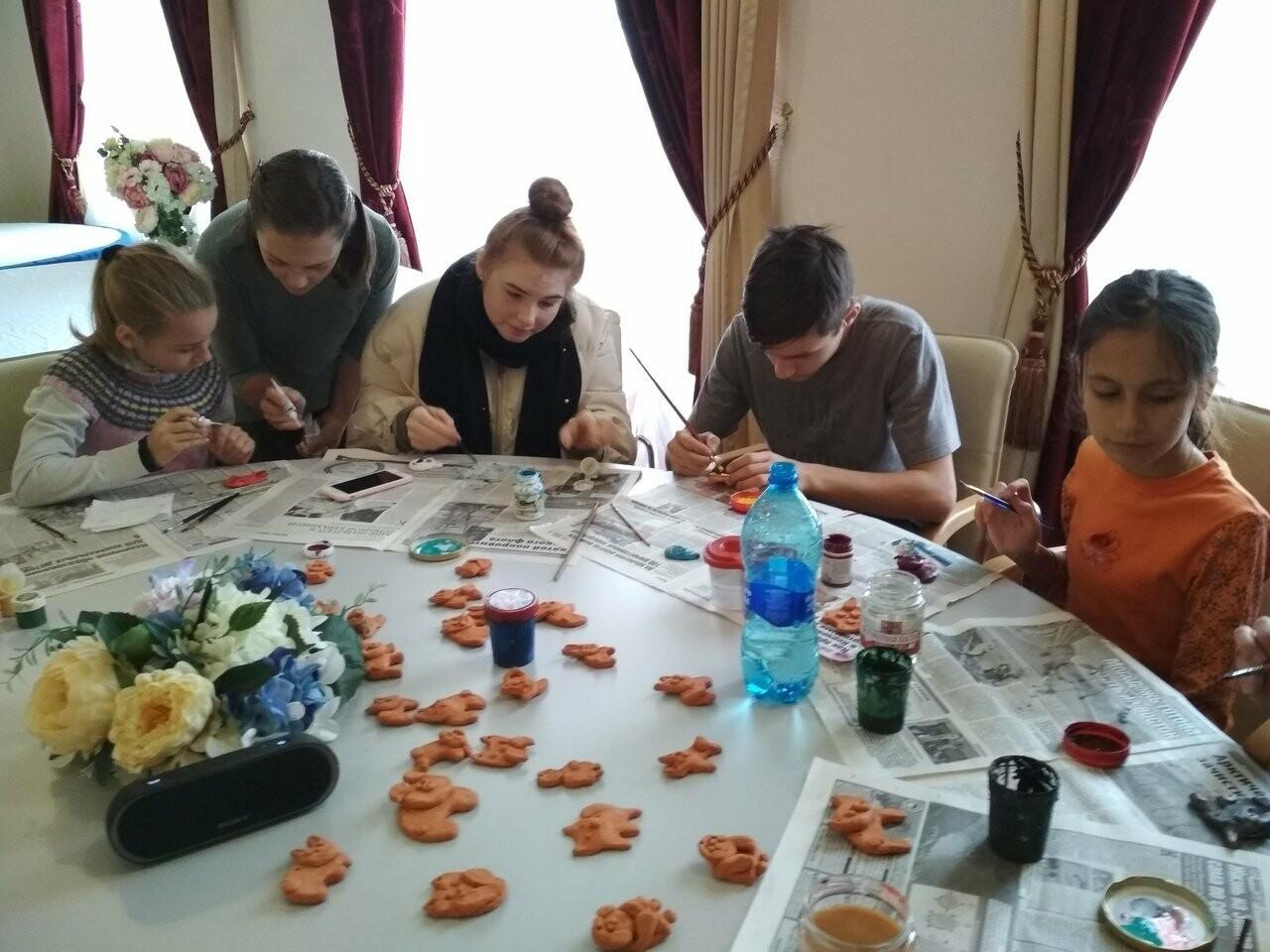 Предновогодние инициативы юных волонтёров - литераторов Ялты, фото-1