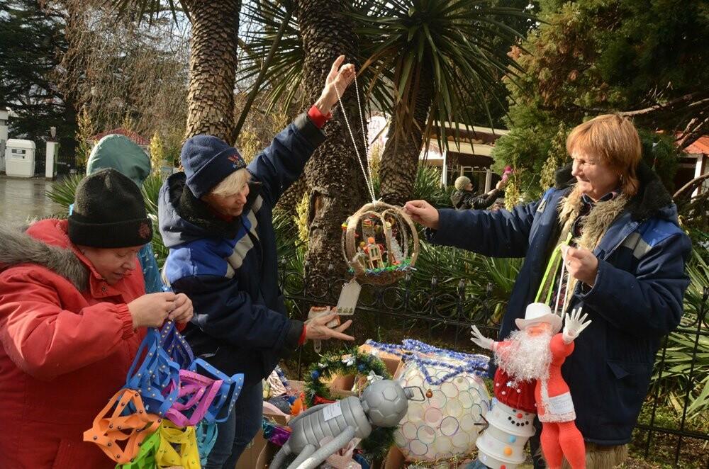 Главный секвойядендрон Никитского сада к Новому году готов, фото-2