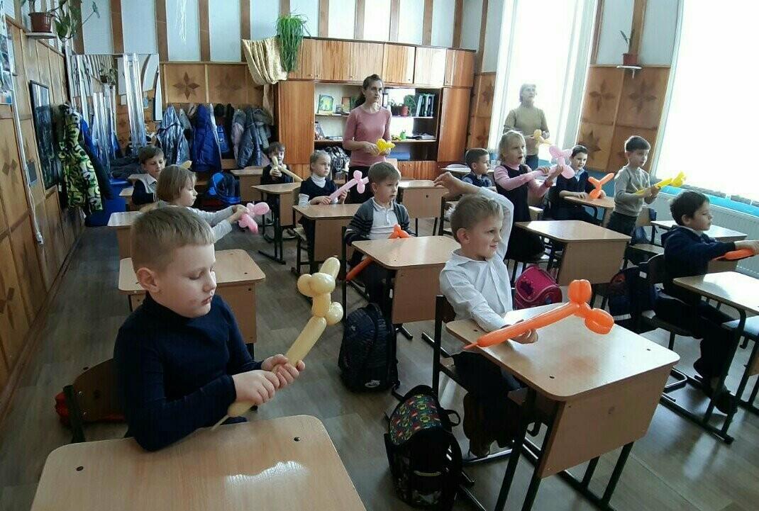 Первоклассников Алупки обучили азам аэродизайна , фото-1