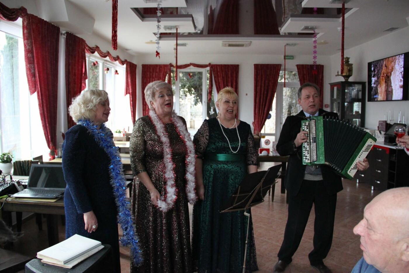 В Алупке прошел творческий вечер народного хора «Славянка», фото-2