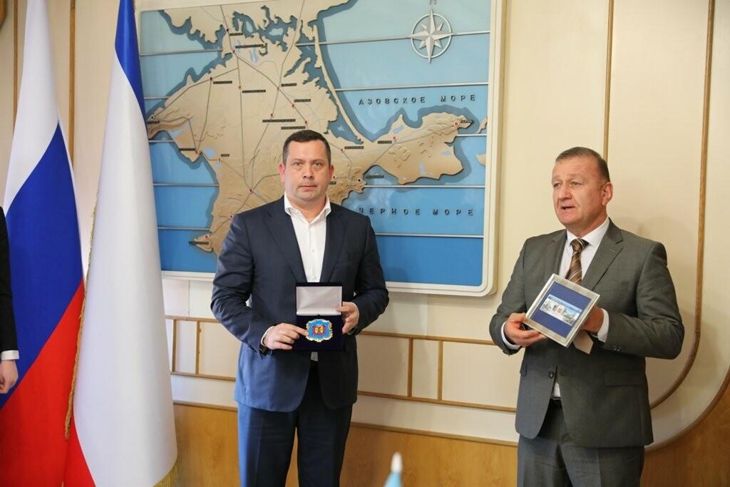 Ялта и Луганск официально установили дружеские отношения , фото-1