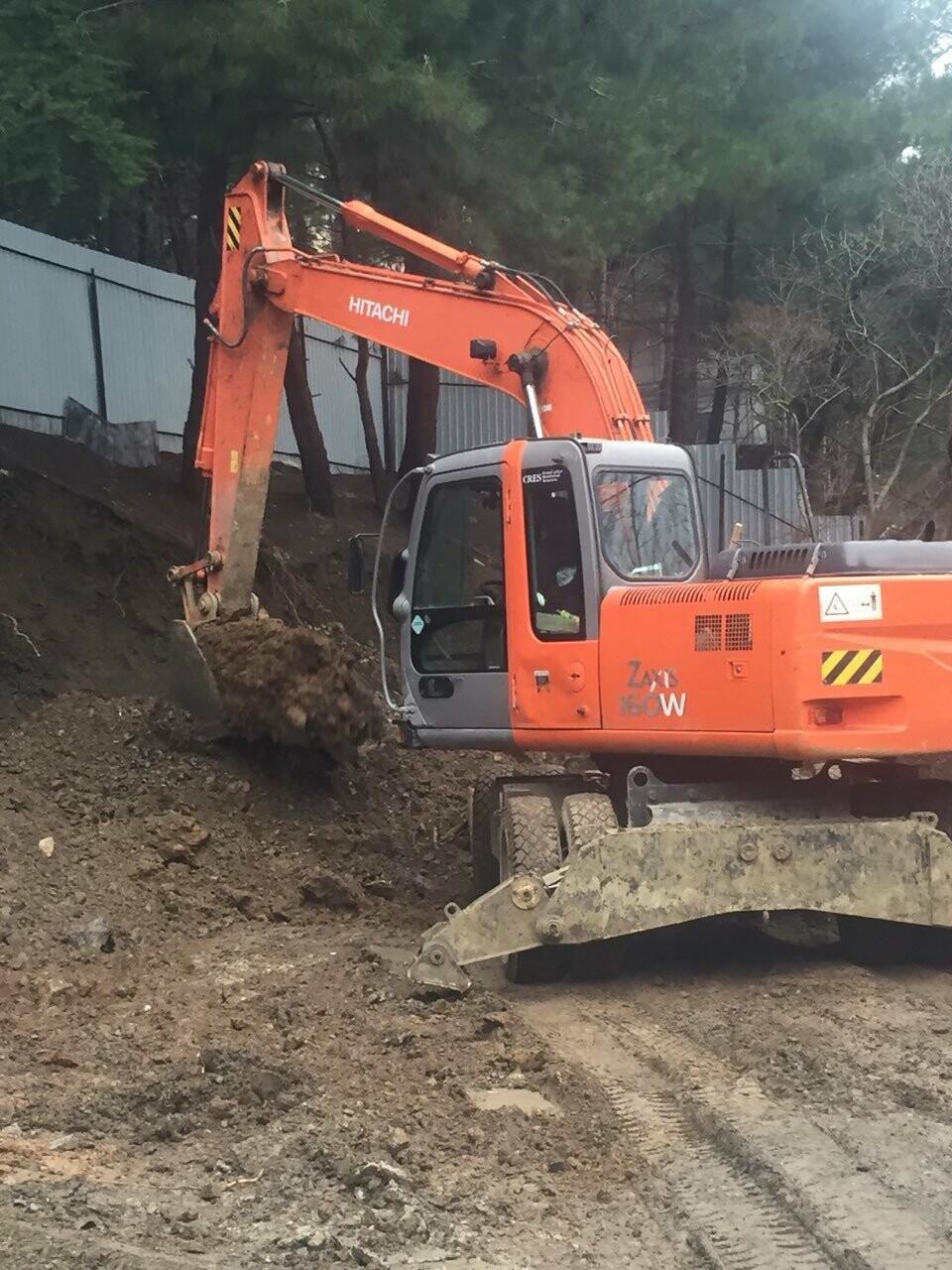 Жители Ялты возмущены строительством на склоне в районе улицы Мисхорская, фото-1