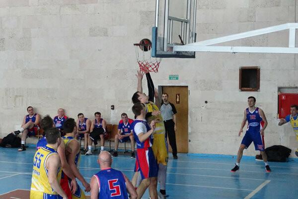 Ялтинские команды добились двух побед в баскетбольном чемпионате Крыма, фото-1