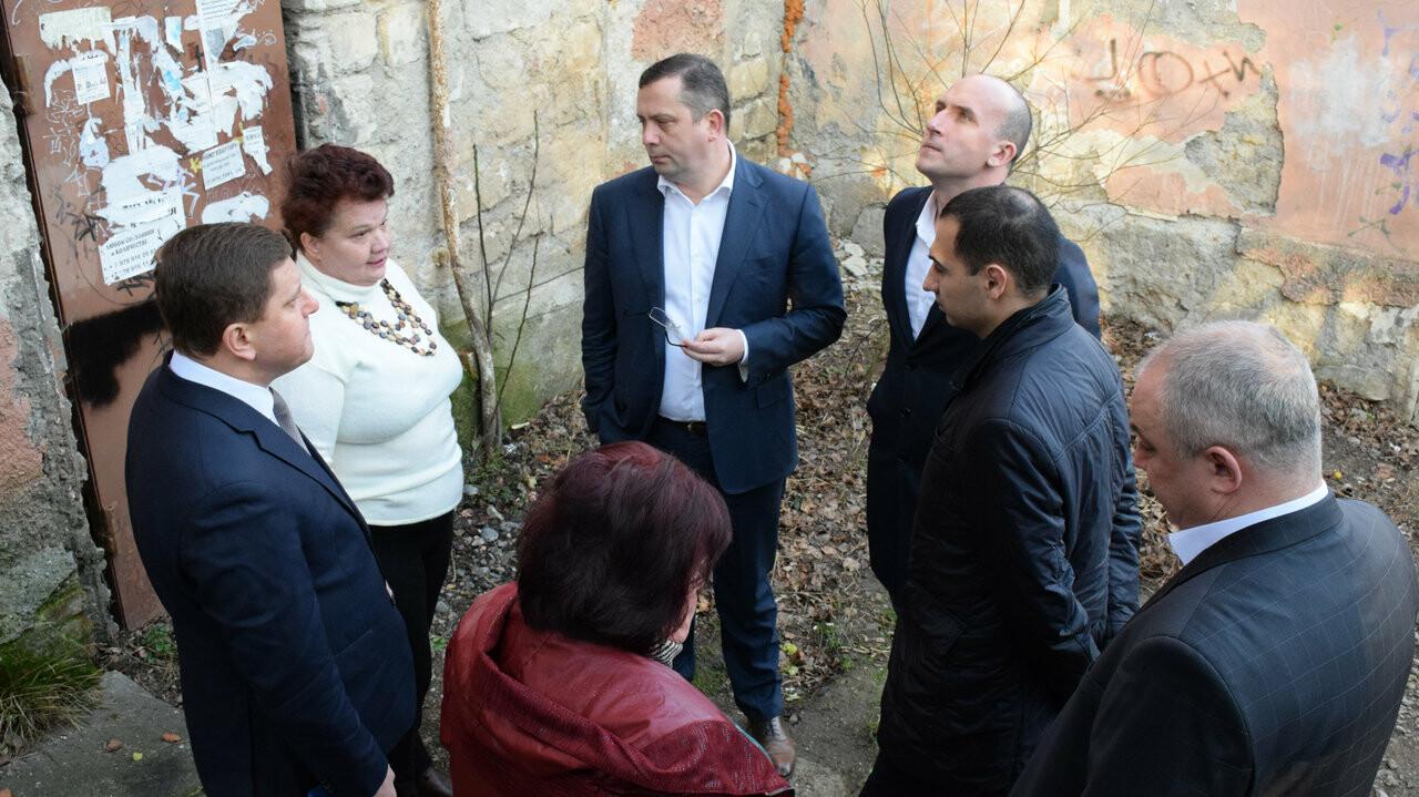 Власти Ялты запланировали в этом году строительство дома для расселения аварийного жилья , фото-1