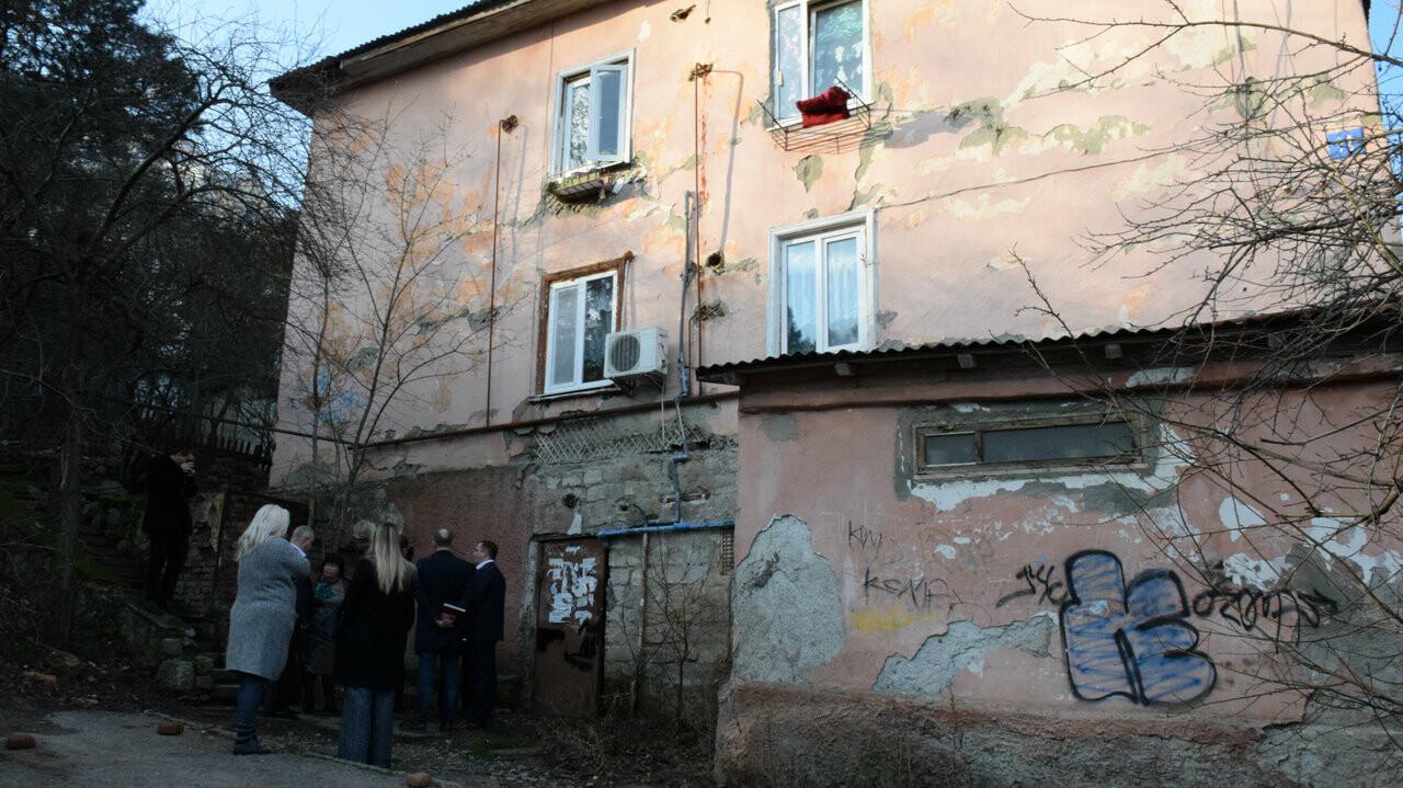 Власти Ялты запланировали в этом году строительство дома для расселения аварийного жилья , фото-2