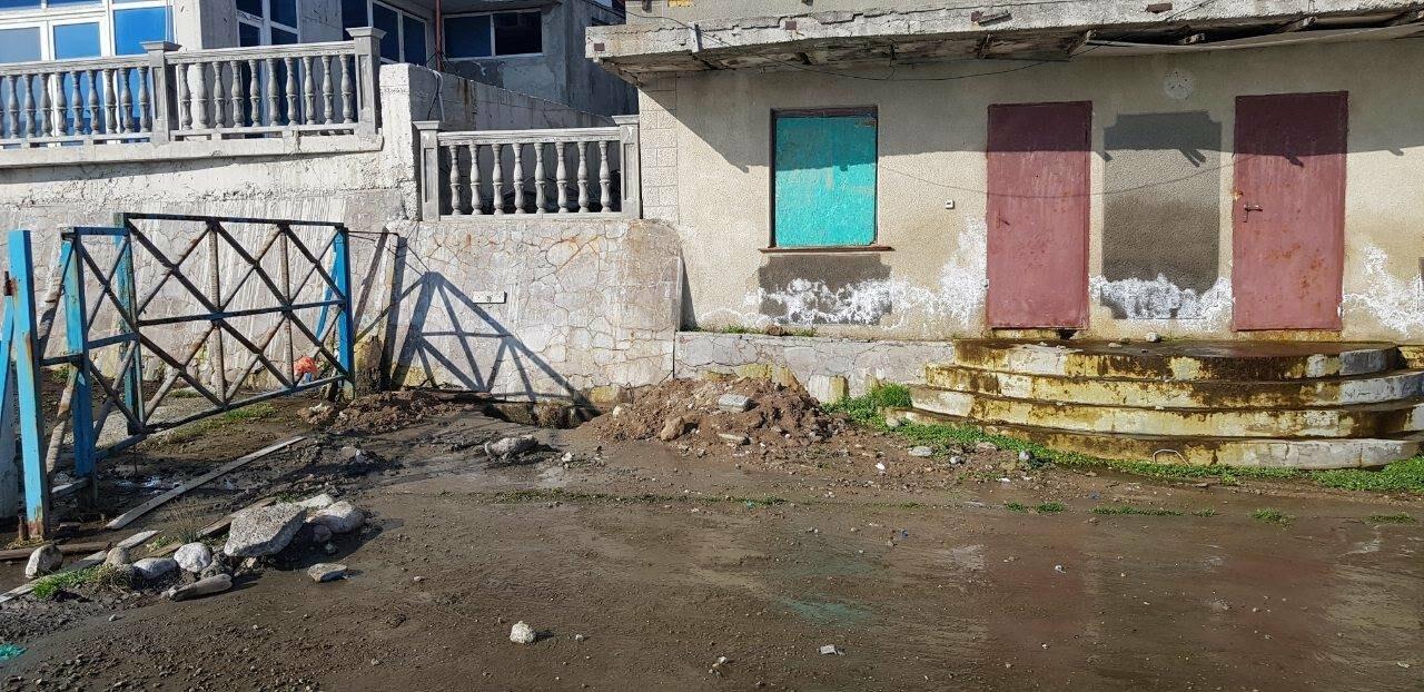 В Алупке завершили прочистку ливнего стока на набережной , фото-2